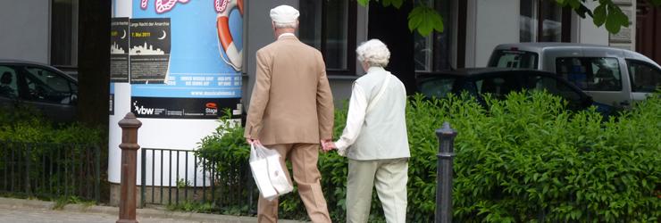 Zu Fuß im höheren Alter & spezielle Gruppen